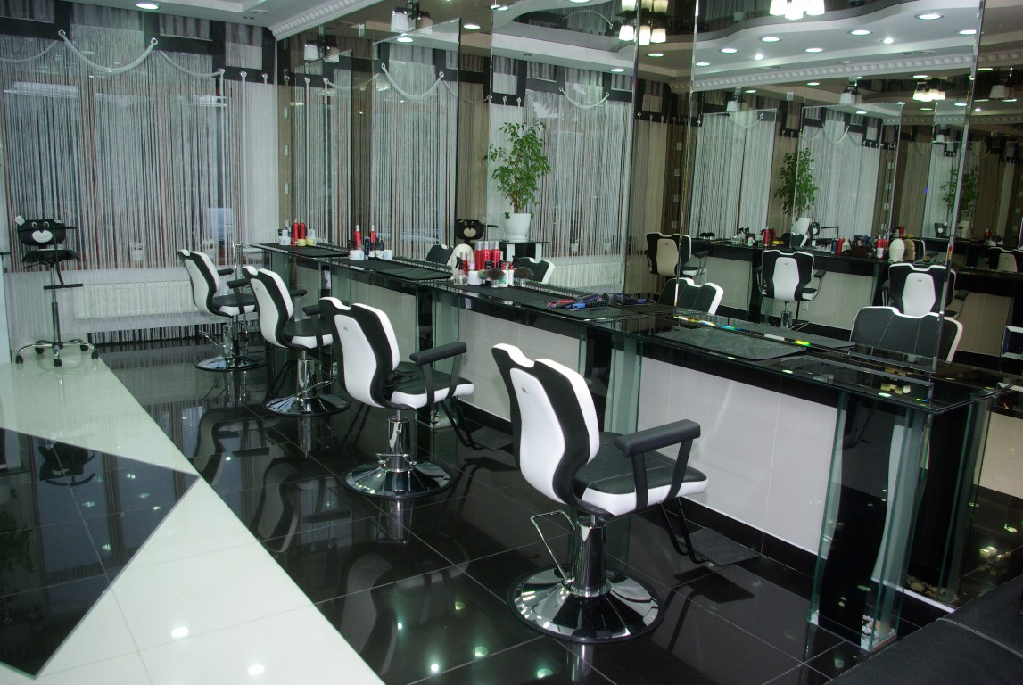 Підприємці закривають перукарні та центри краси 92e9e6847e177